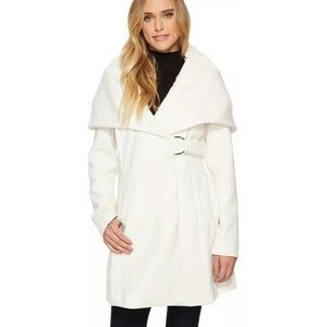 French Connection White Marla Knit D-Ring Coat L